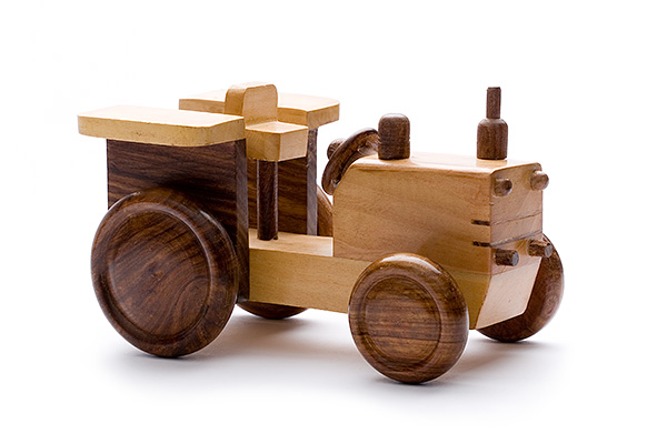 Wooden tractor - wooden toy - Woodix Toys ©2008