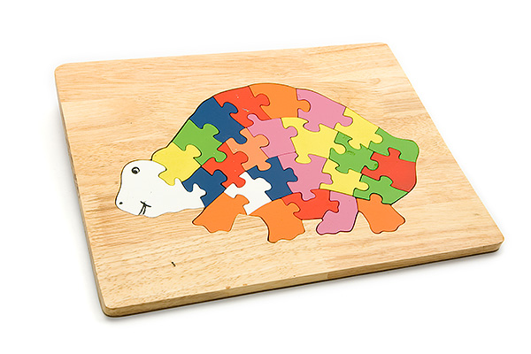 Advanced wooden puzzle board: turtle - wooden toy - Woodix Toys ©2008
