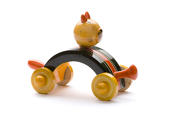 Indi wooden animal car: cat - wooden toy - Woodix Toys ©2008