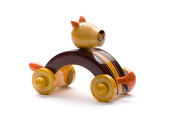 Indi wooden animal car: dog - wooden toy - Woodix Toys ©2008