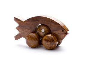 Rolling wooden fish with moving ball - wooden toy - Woodix Toys ©2008